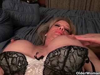 Milf Raquels big clit is poking out