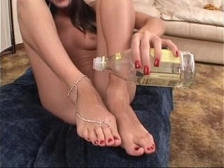 Barefoot Hot Cumshot